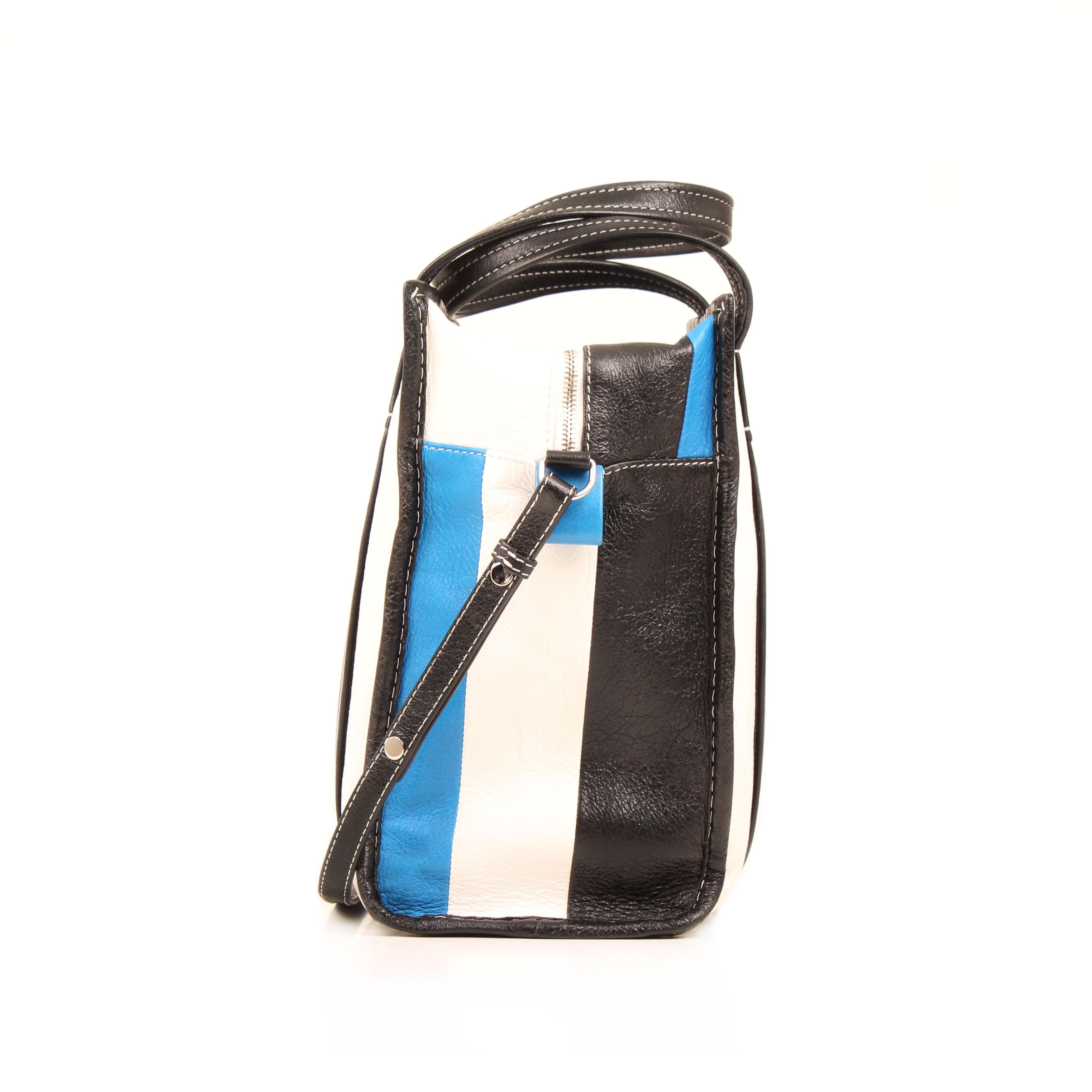 bolso balenciaga bazar shopper s arena rayado azul blanco negro piel lateral
