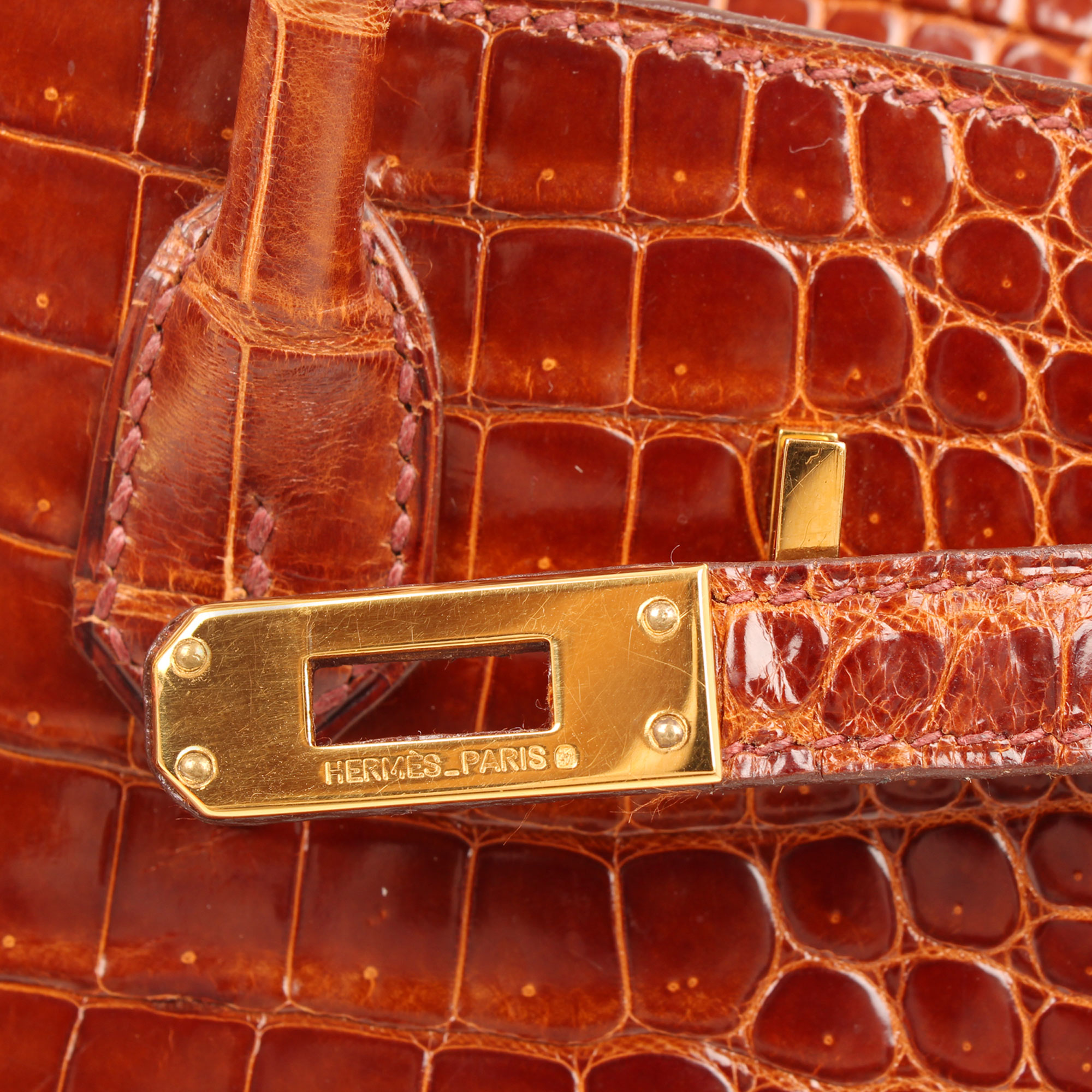 Hardware detail of hermes birkin 25 poroso soft whisky bag