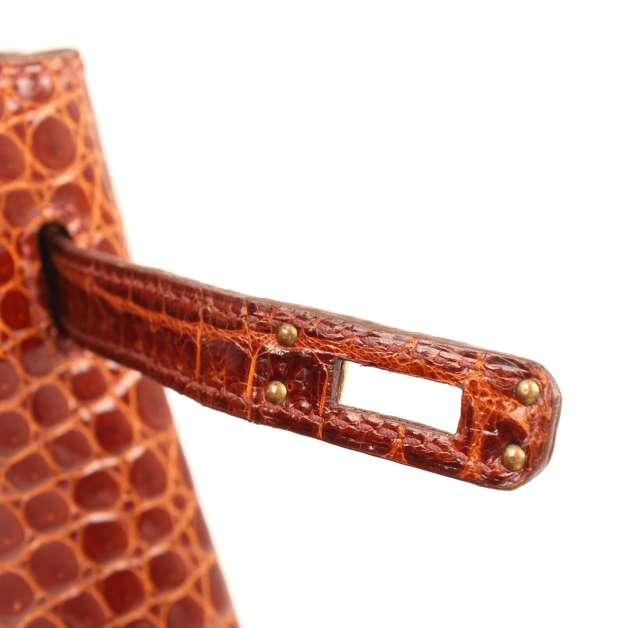 Imagen de la letra estampada del bolso hermes birkin 25 poroso soft whisky