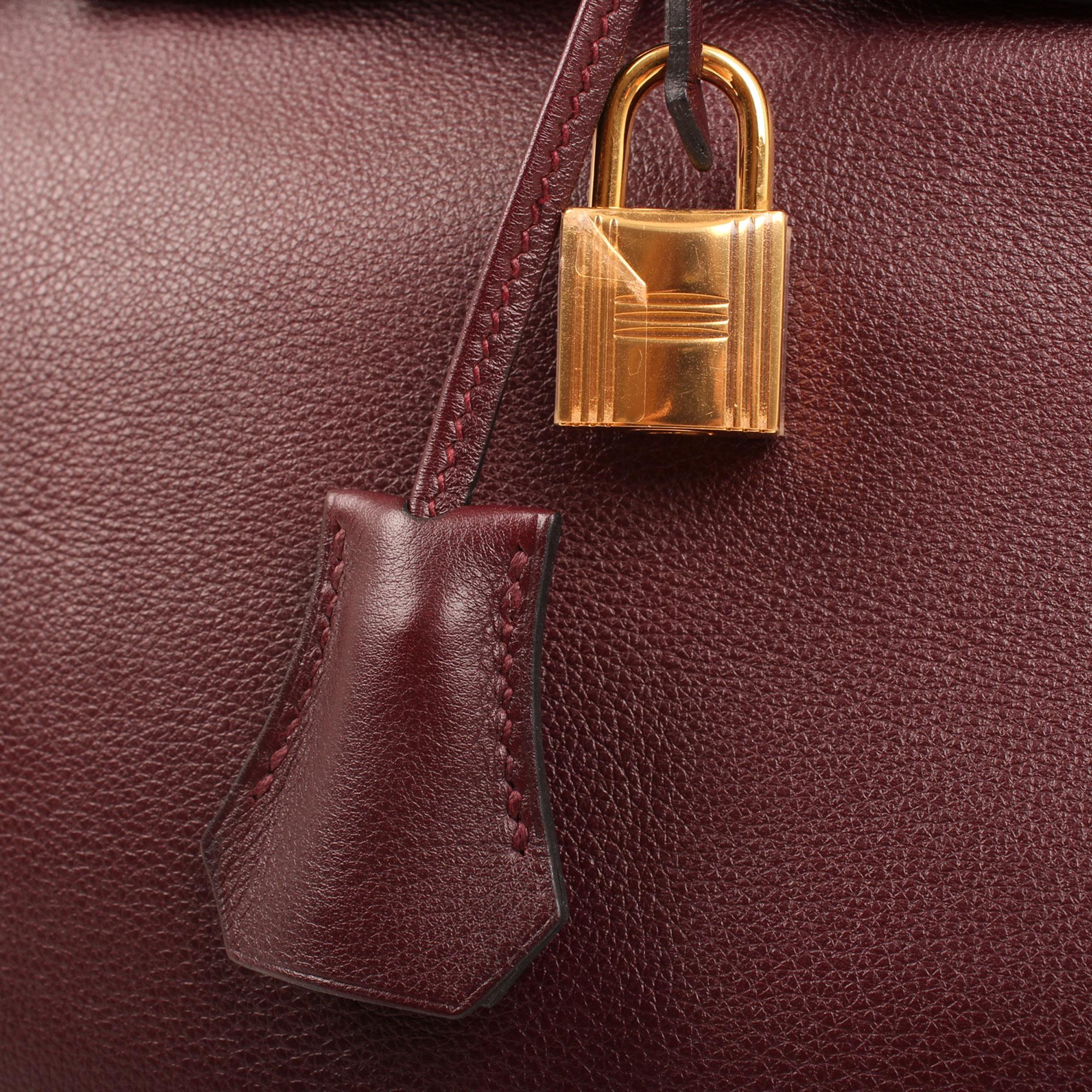 Imagen de los detalles de los accesorios del bolso hermes birkin 30 sikkim rouge ash