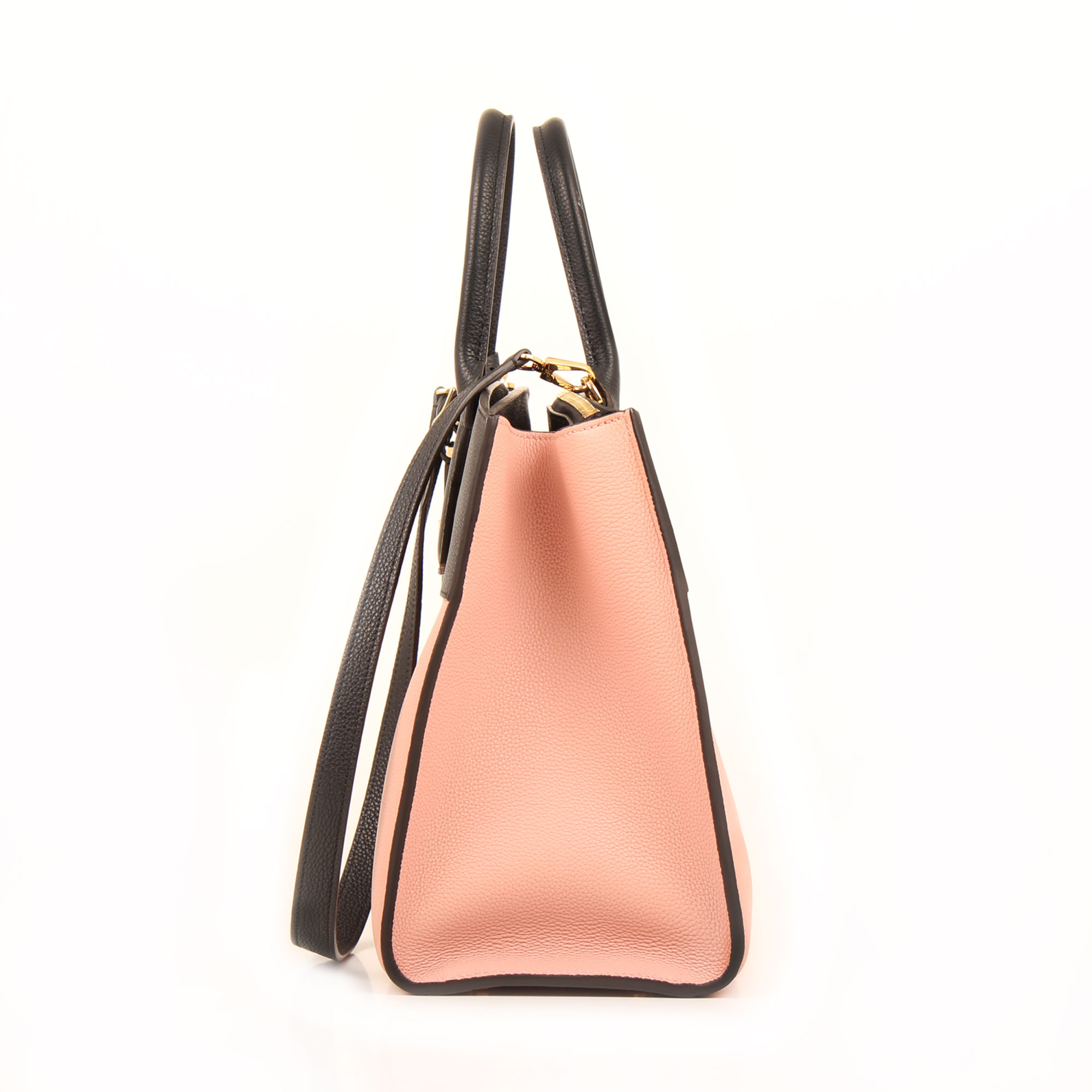 Imagen del laterla del bolso louis vuitton city steamer mm magnolia