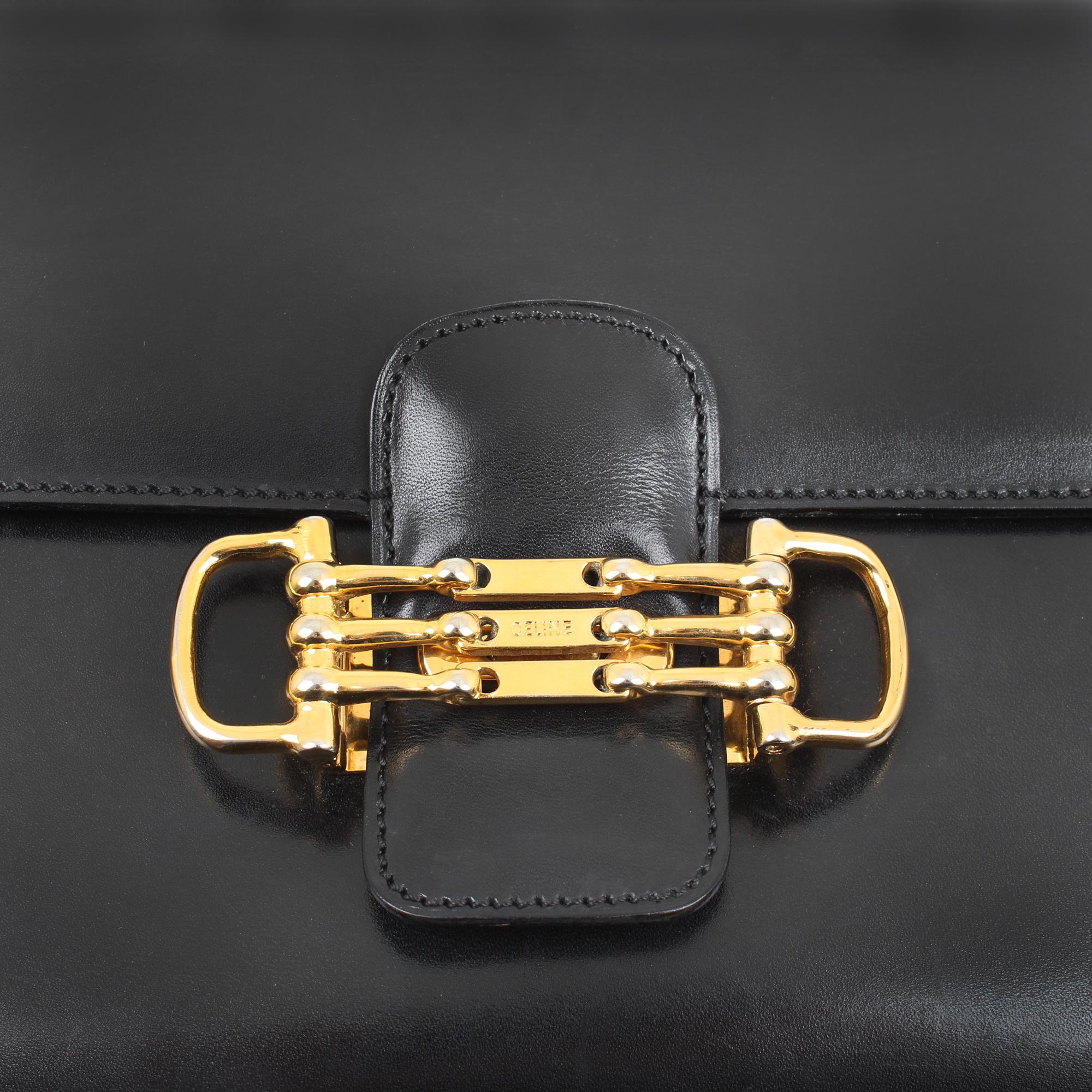 Image of the hardware of celine box vintage shoulder bag