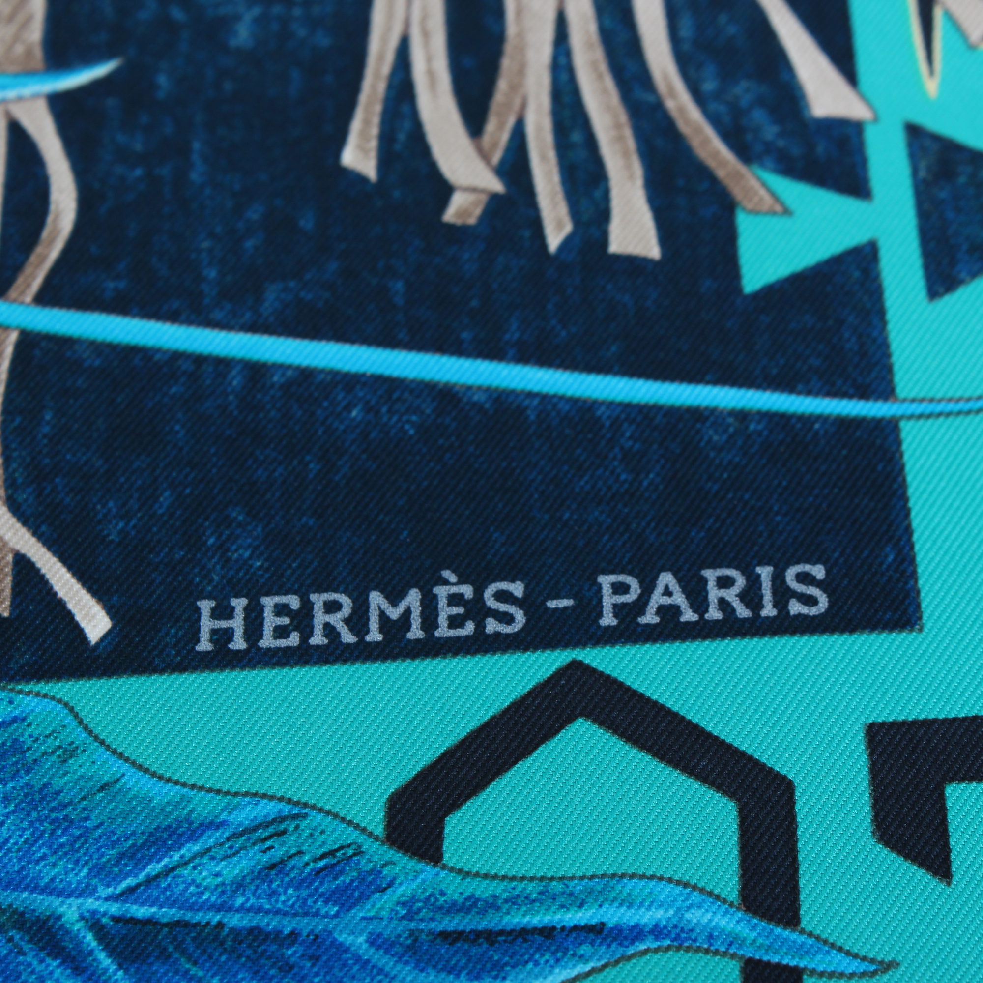Image of the brand of hermes carre wa ko ni