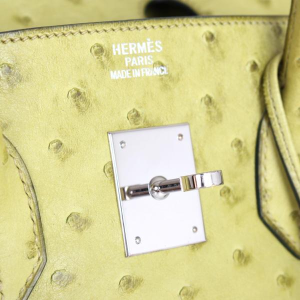 imagen de detalle de herraje de bolso-hermes-birkin-35-piel-avestruz-anis