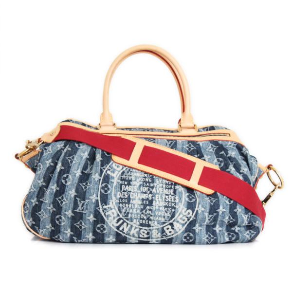 front image with strap of louis-vuitton-denim-porte-epaule-cruise-raye-cabas-GM-bag