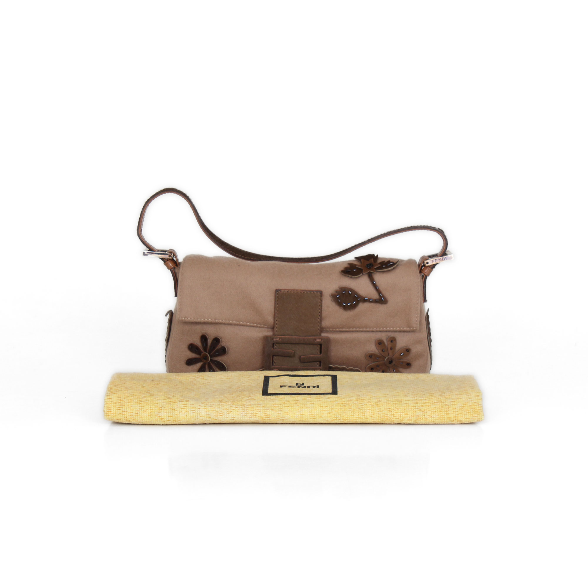 fd56f3a54 Buy and sell second hand bags   Fendi Baguette   CBL Bags